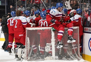 Czechs win 4-1, Swiss out