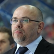 Czech coach collapses